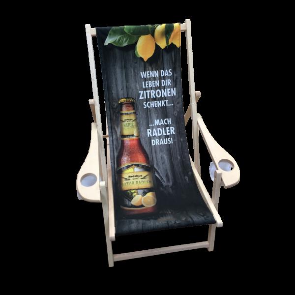Liegestuhl mit Getränkehalter